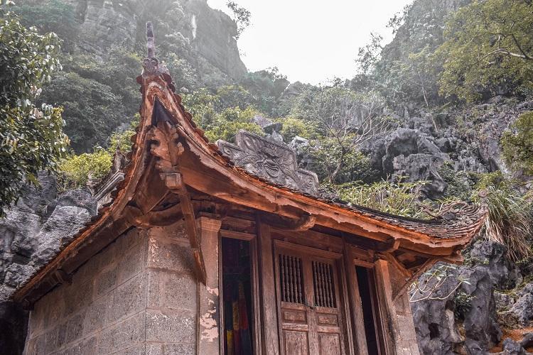 Bich Dong Pagoda Ninh Binh superior
