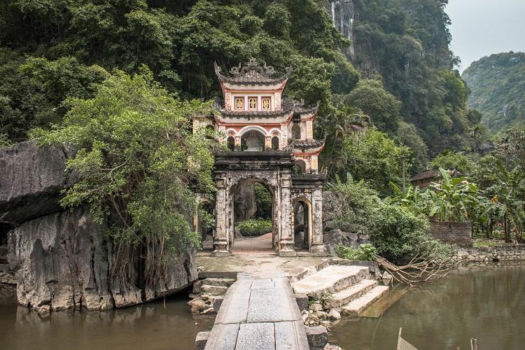 Entrance to Bich Dong Pagoda Ninh Binh