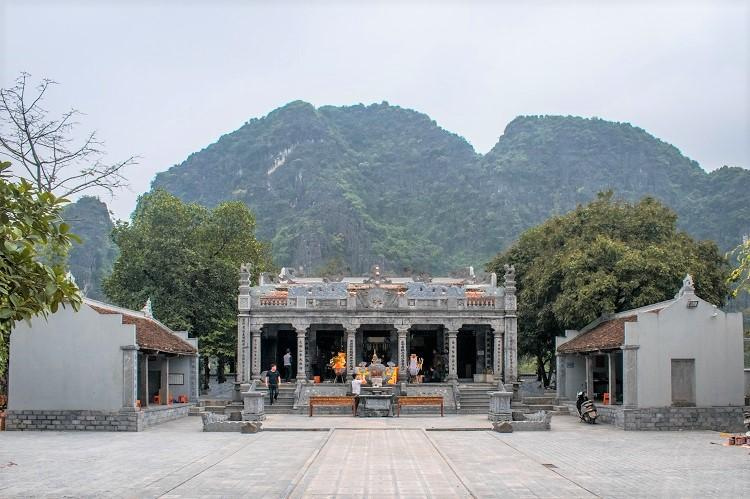 front view of Thai Vi Temple in Ninh Binh