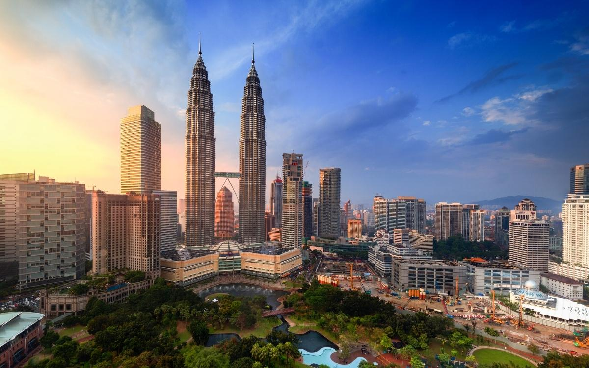 Kuala Lumpur Petronas Towers at sunset