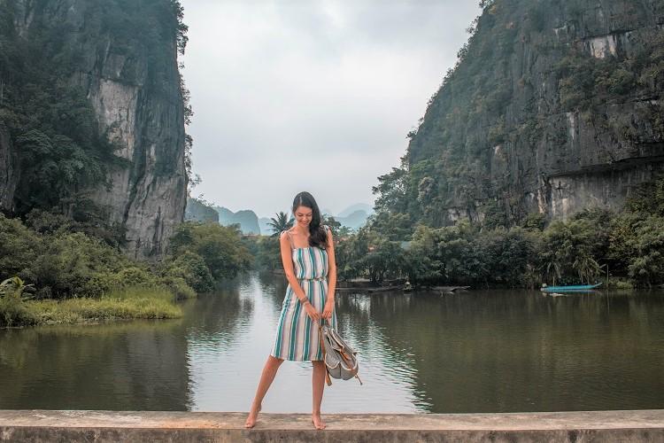Tam Coc river Ninh Binh - road to Thai Vi Temple