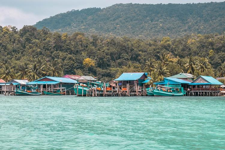 Sok San Beach blue water in Koh Rong