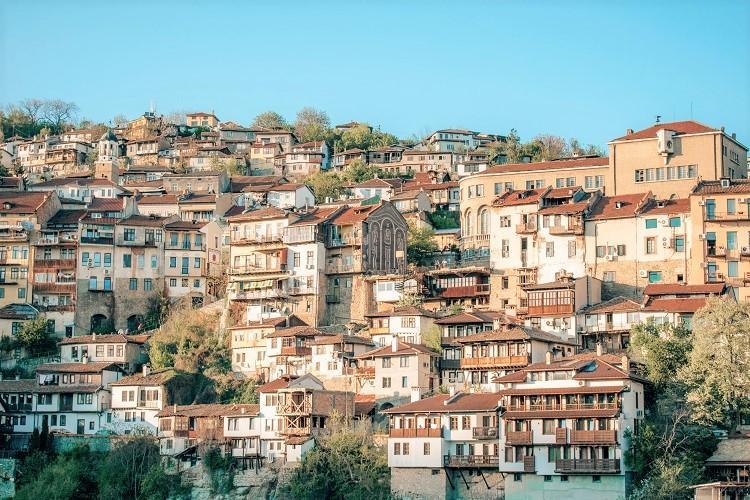 Veliko Tarnovo layered houses view