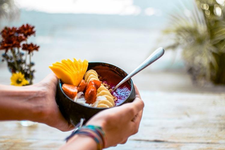 Nalu Bowls Bali smoothie fruit bowl