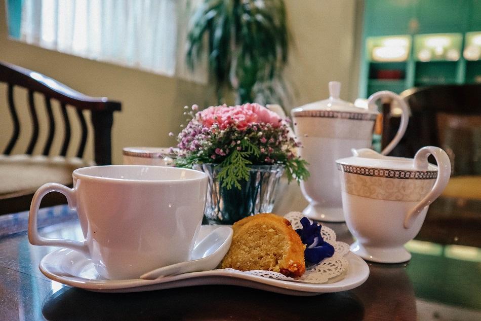 The Majestic Hotel Malacca library tea