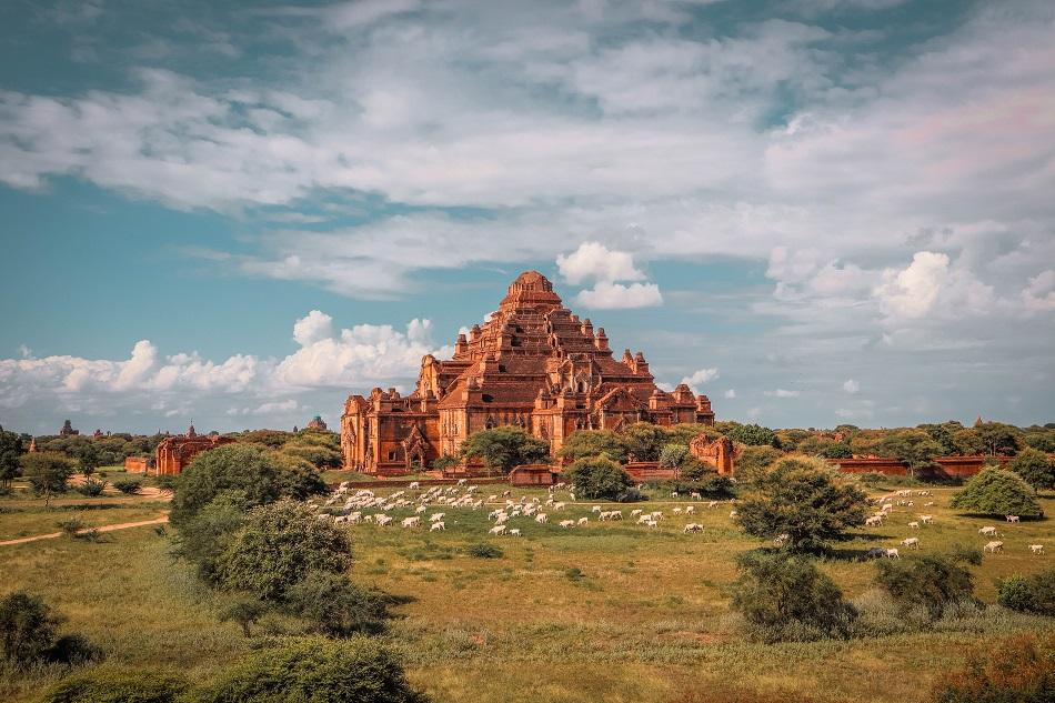 Best temples in Bagan - Dhammayan Gyi Temple