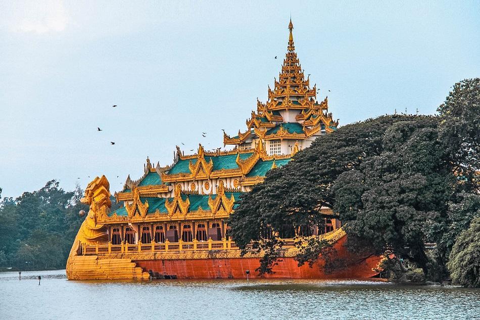 Kandawgyi Lake Yangon