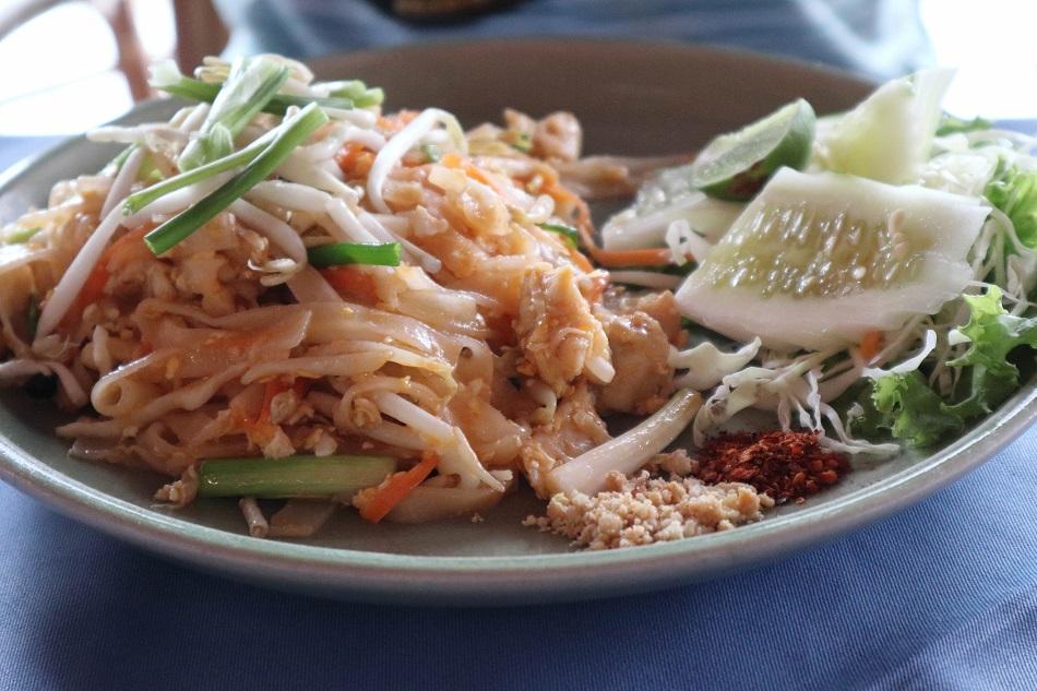 Silver Beach Koh Samui restaurant Pad Thai