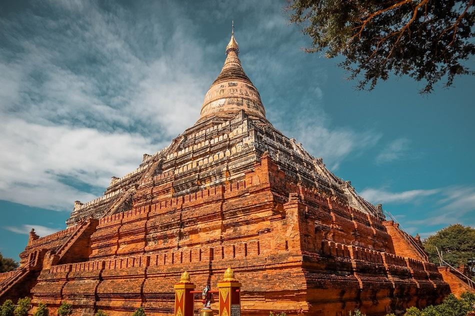 Best temples in Myanmar - Shwesandaw Pagoda