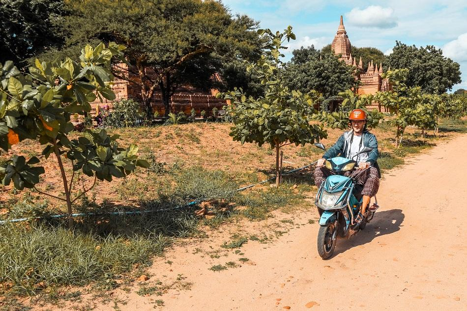 Renting an e-bile in Bagan guide
