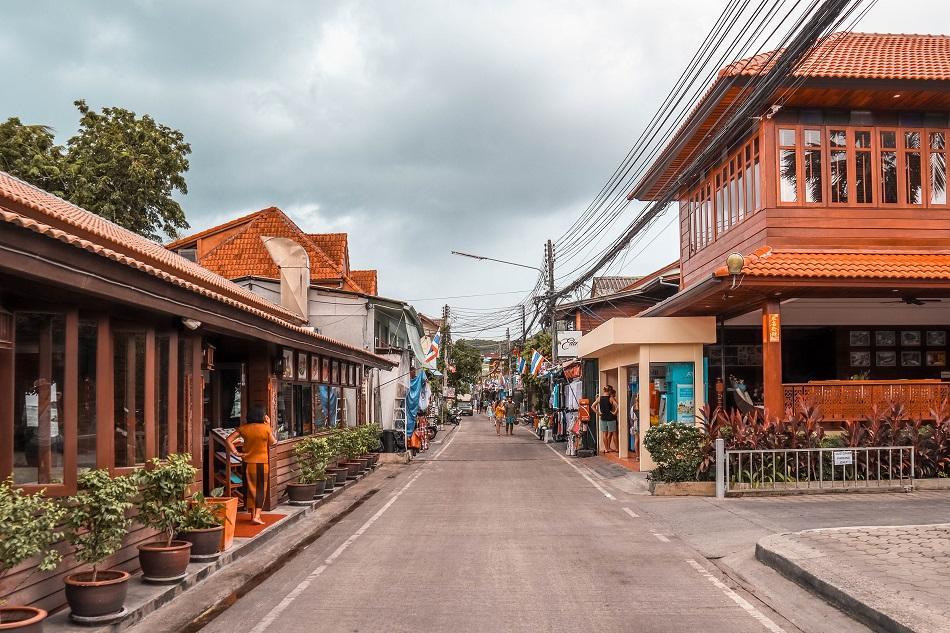 Bophut Fisharman's Village main street