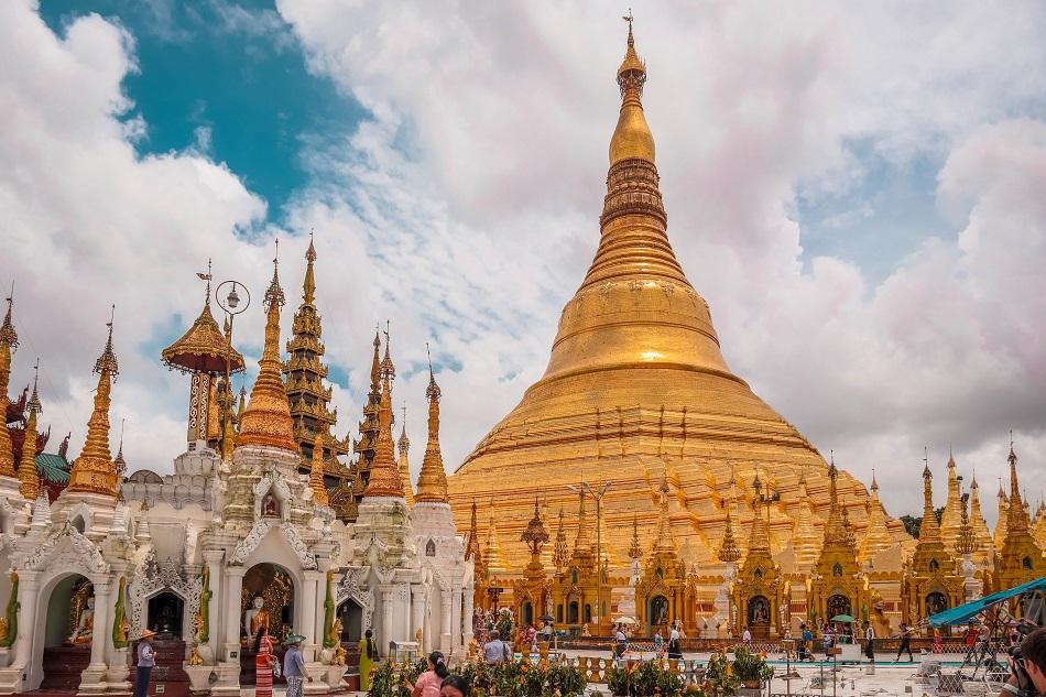Swedagon Pagoda Yangon
