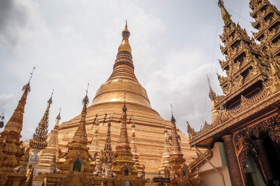Best Yangon Temples - incredible Shwedagon Pagoda