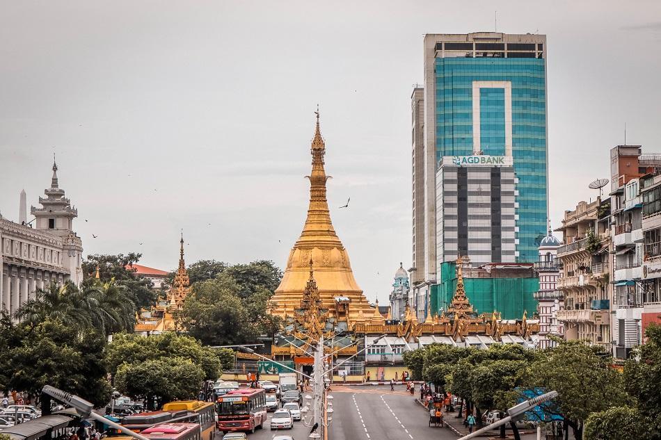 Best Yangon Temples - Sule Pagoda