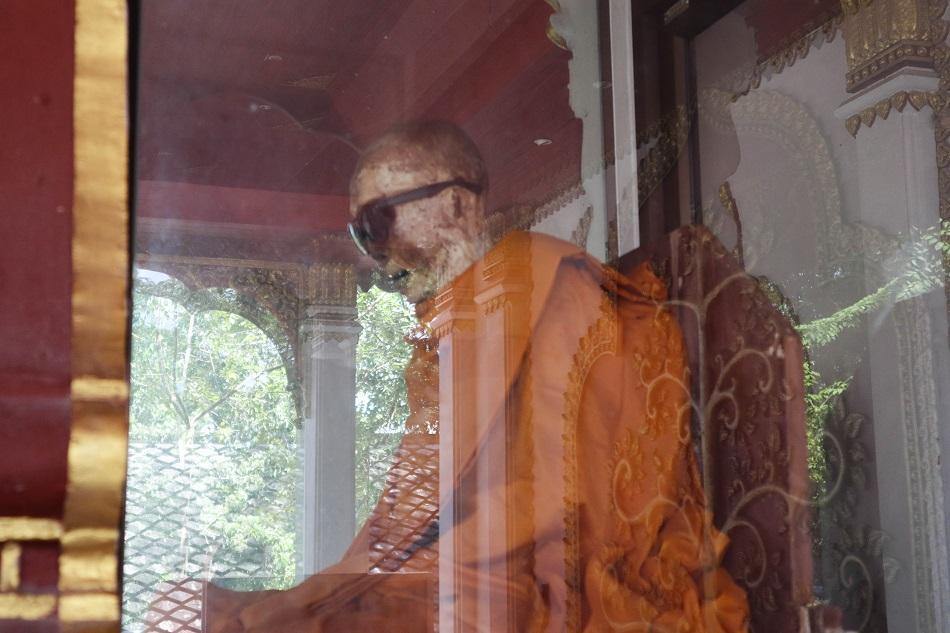 Wat Khunaram Mummified Monk Luong Pardoeng