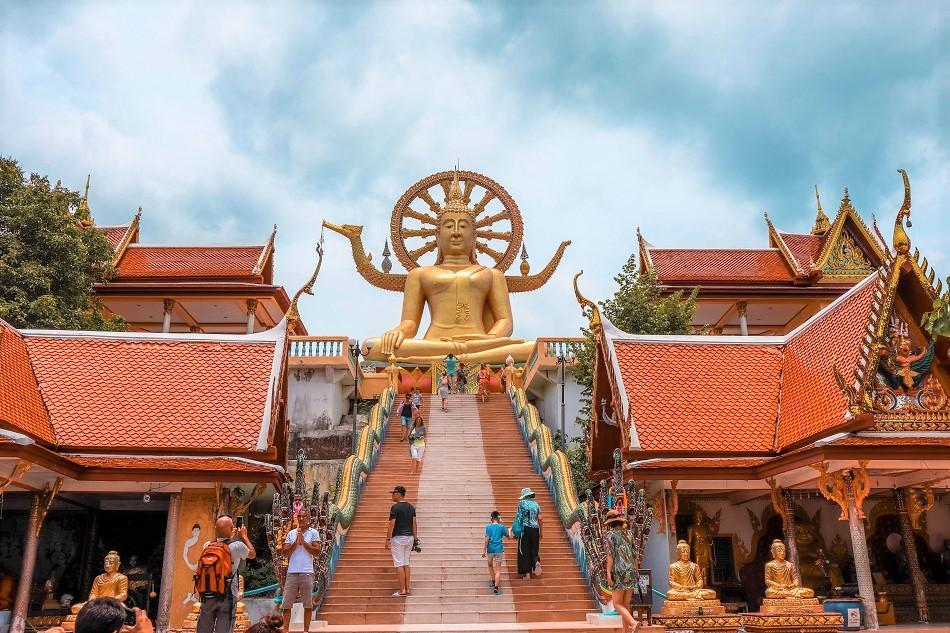 Wat Phra Yai Bigg Buddha Temple Koh Samui stairs at entrance