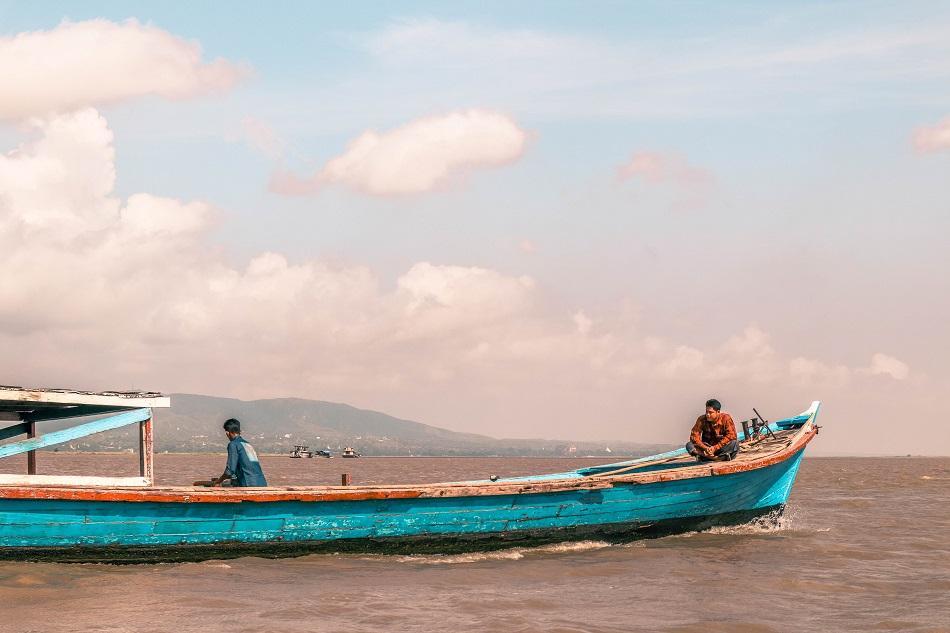 Boat ride to Mingun, Myanmar