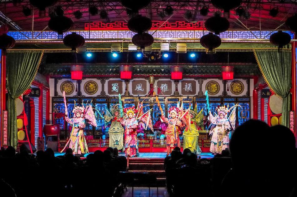 Sichuan Opera performance in Chengdu