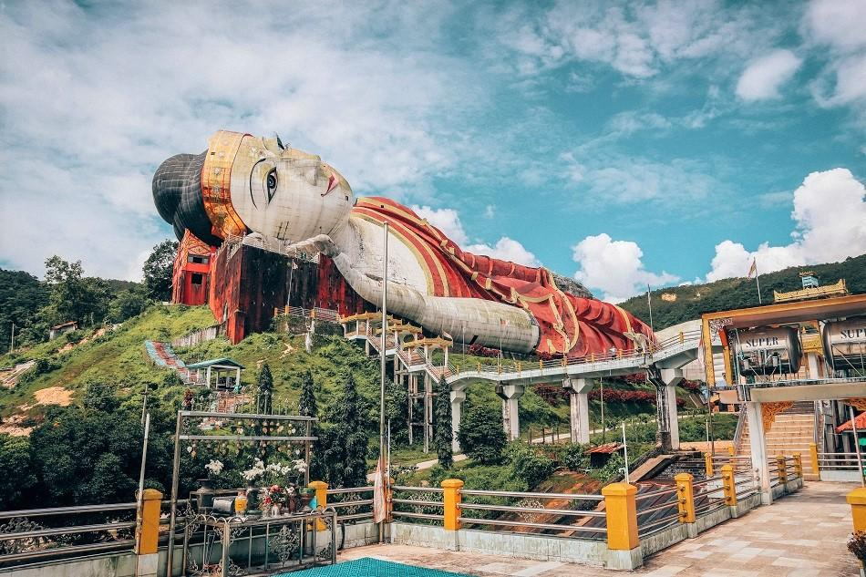 Biggest reclining Buddha in the world
