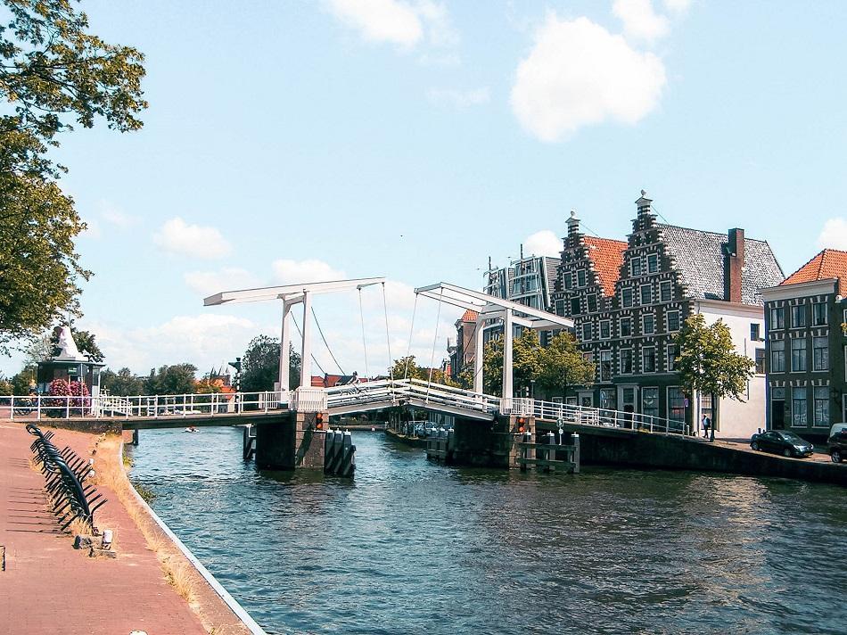 Haarlem Gravestenenbrug Bridge