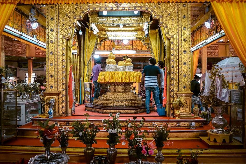 Phaung Daw Oo Pagoda Inle Lake