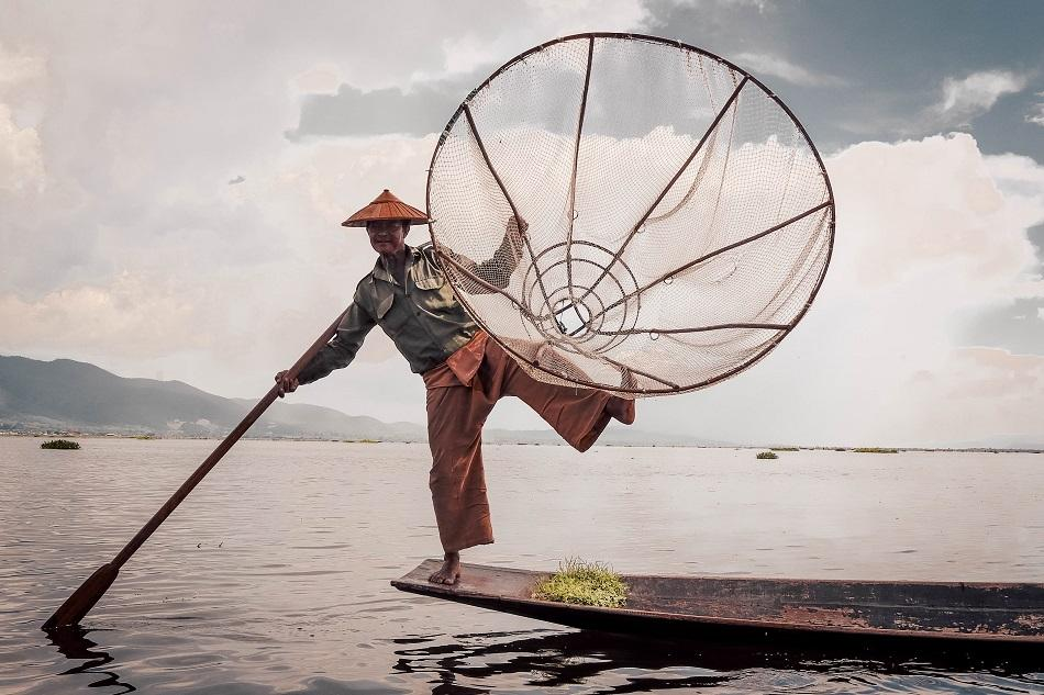 Inle Lake balancing traditional fishermen