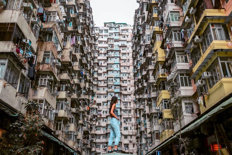 Giirl at Montane Mansion, Hong Kong