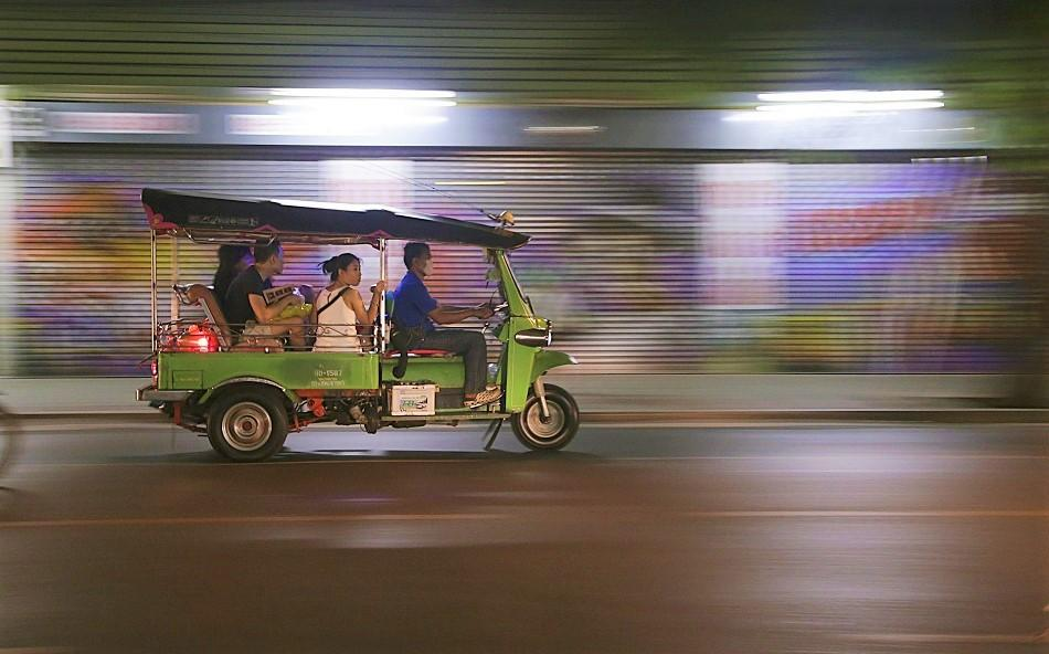Laos tuk tuk scam