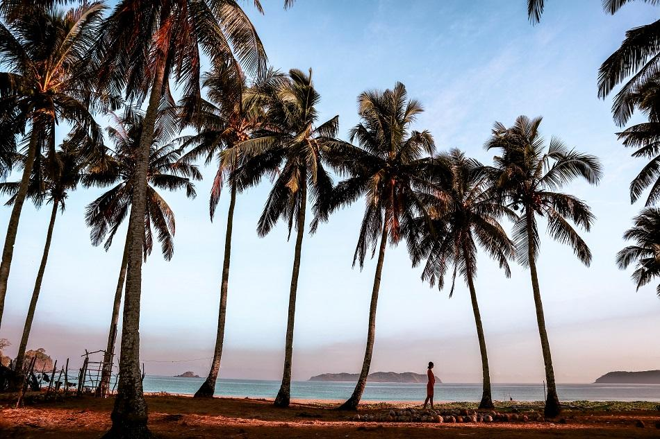 El Nido Nacpan Beach Sunset