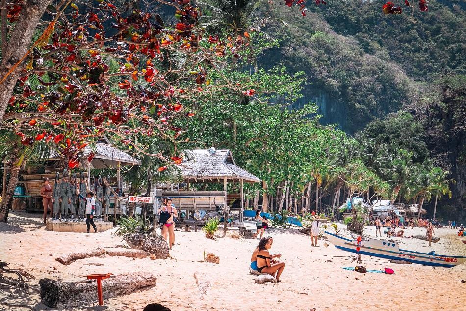7 Commandos Beach El Nido