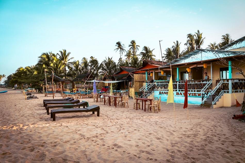 Twin Beach El Nido restaurant