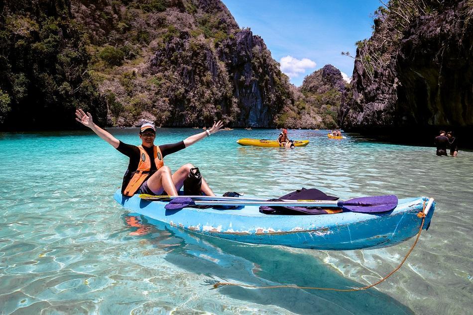 Kayak at Big Lagoon El Nido