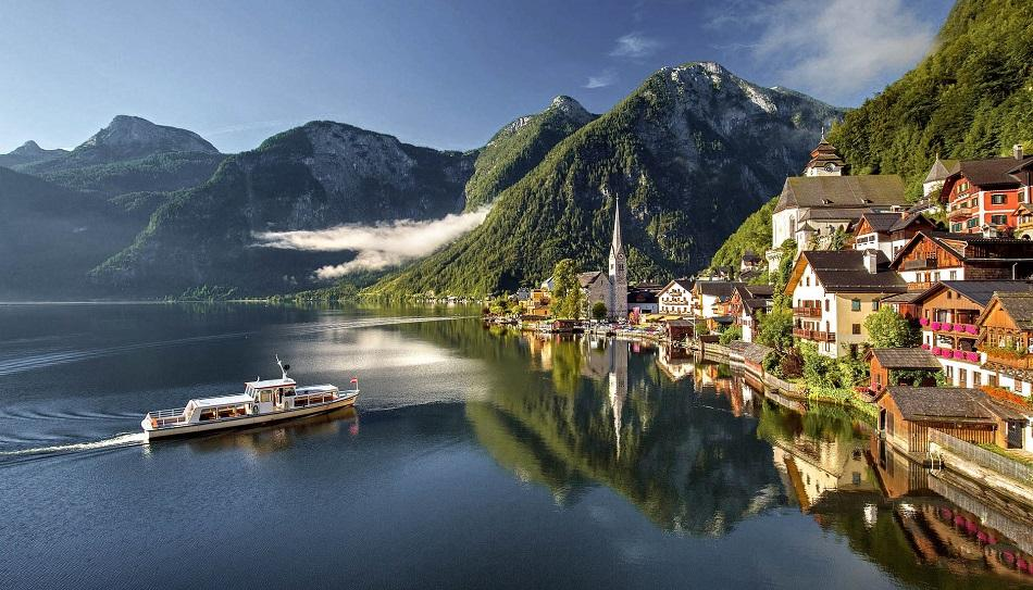 Boat at Hallstatt Lake