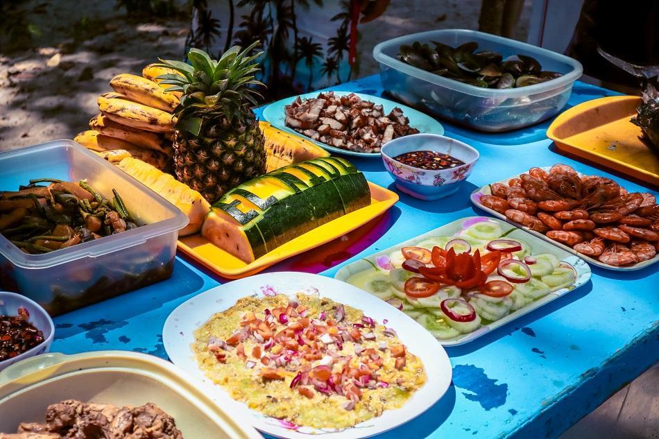Lunch at Shimizu Island, El Nido