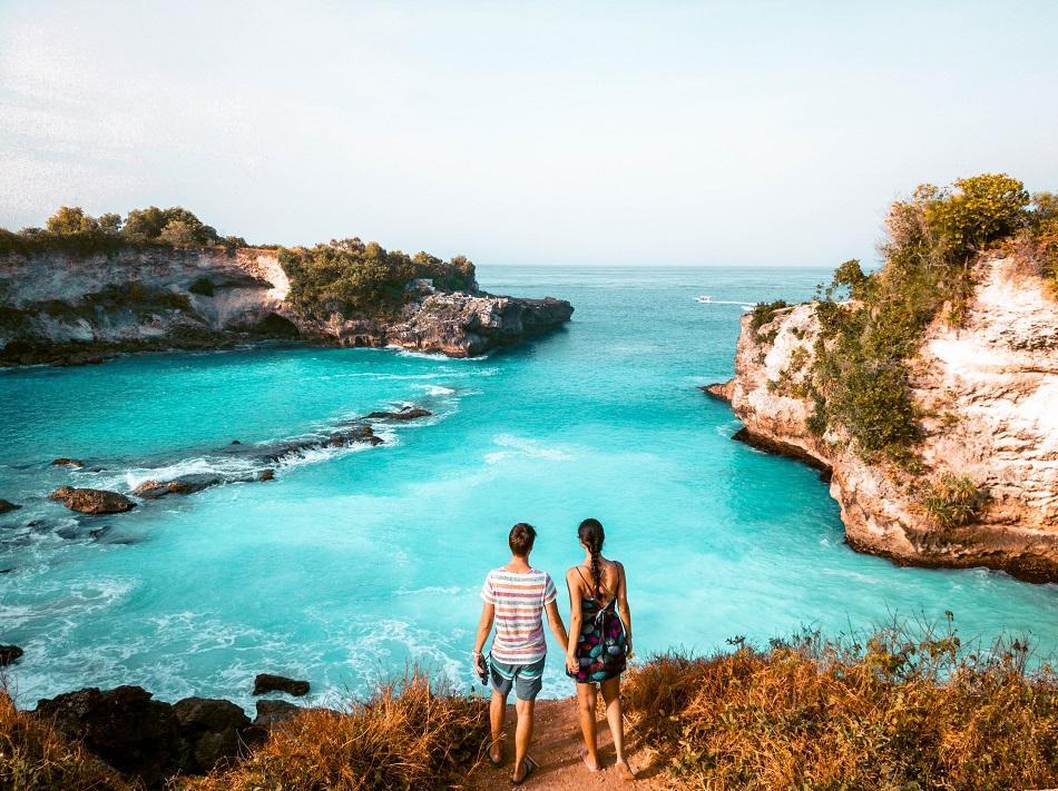 Couple at Blue Lagoon, Nusa Ceningan