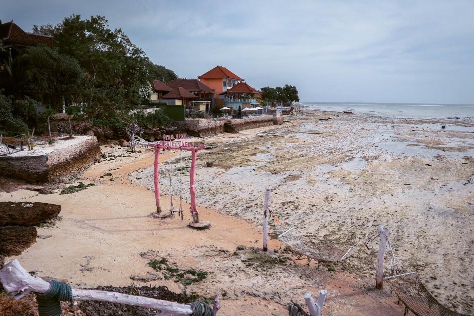 Low tide Nusa Ceningan