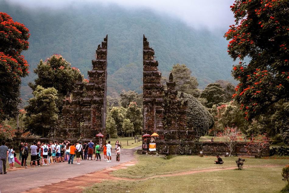 Handara Gate Bali crowded