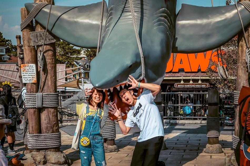 People at Jaws - Universal Studios Japan