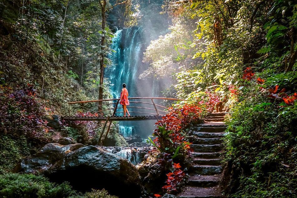 Melanting Waterfall Bali sun rays