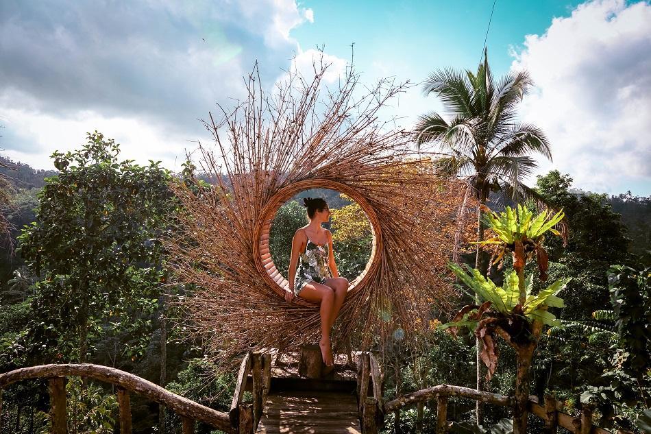 Leke Leke Waterfall Nests at entrance