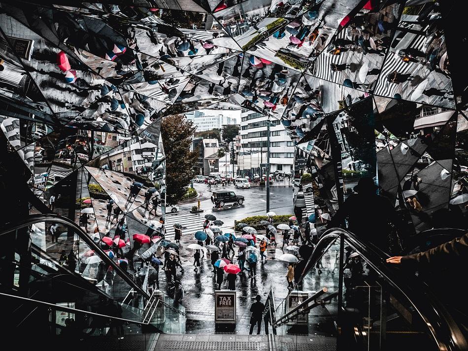Tokyu Plaza mirrors in Harajuku