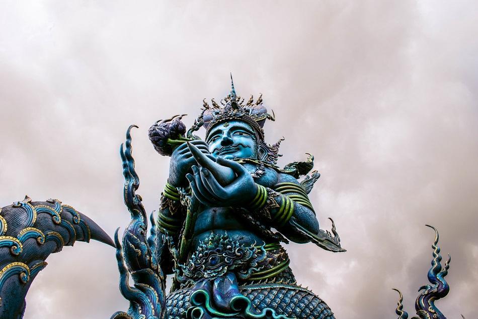 Blue Temple Chiang Rai statue