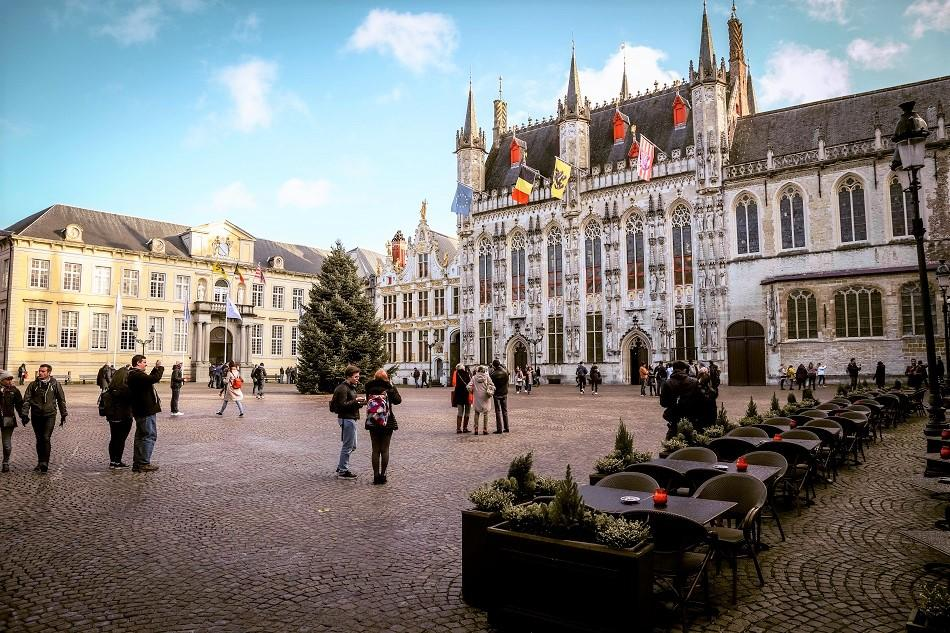 Bruges Burg Square photography location