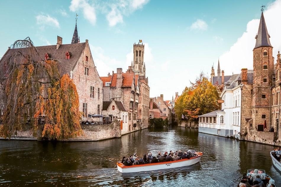 Rozenhoedkaai postcard view Bruges