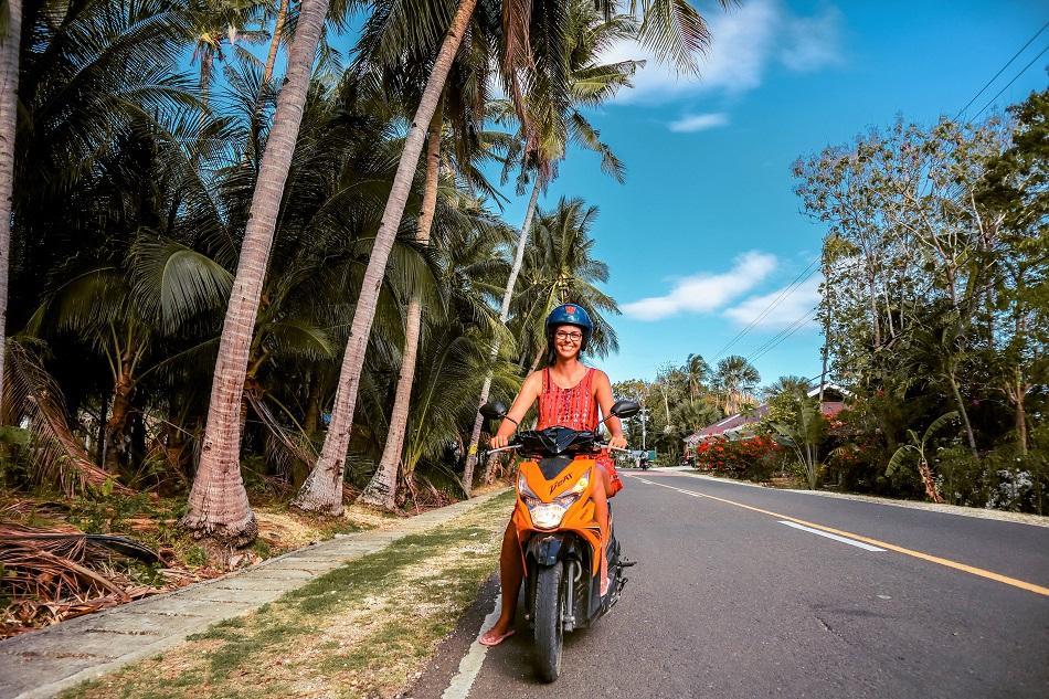 Driving motorbike Siquijor Island