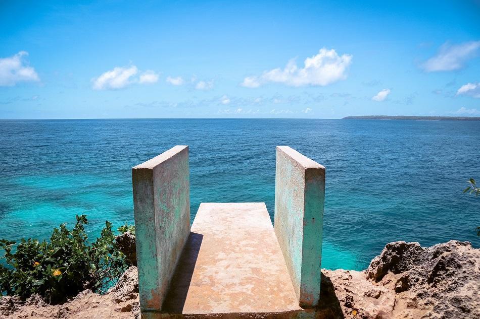 Salagdoong Beach Siquijor jumping platform