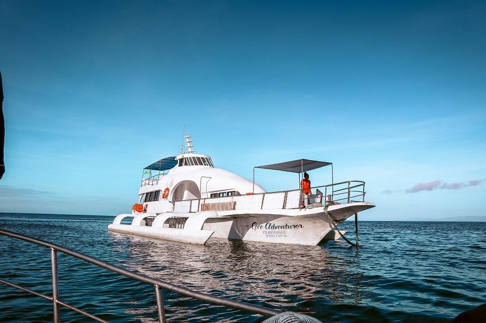 Boat from Siquijor to Apo Island, Philippines