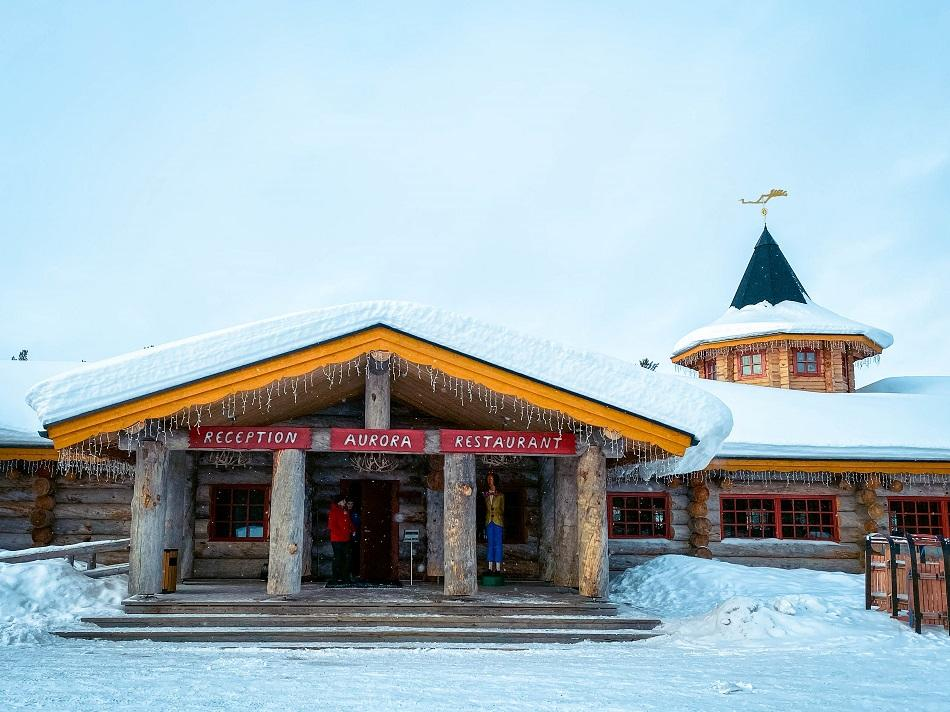 Aurora Restaurant front entrance, Kakslauttanen Arctic Resort Lapland