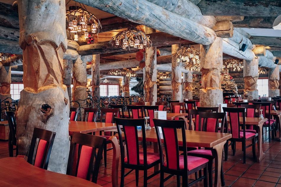 Aurora Restaurant dining room, Kakslauttanen Arctic Resort Lapland