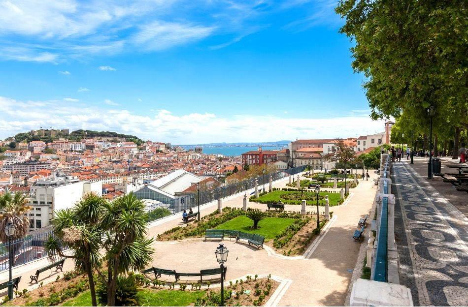 Miradouro de Sao Pedro de Alcantara Lisbon